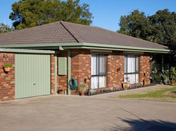 The unit in Kennedy Court, Euroa that we have moved to.  Our New phone number is (03) 57 399 398.